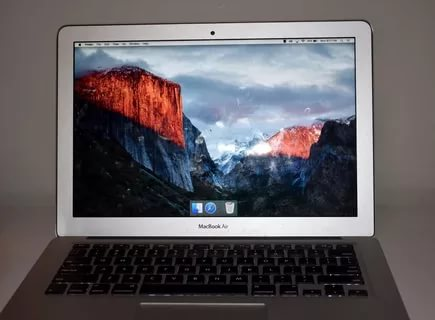 Apple mac book pro 13